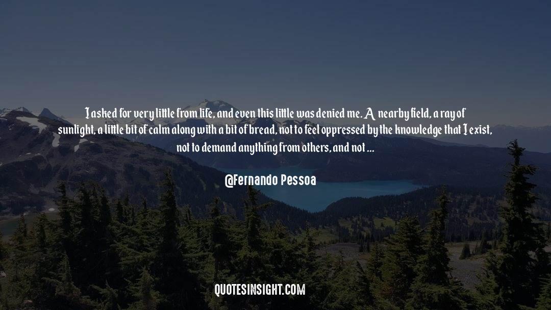 Coat quotes by Fernando Pessoa